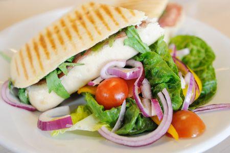 焼きサンドイッチとサラダ 写真素材