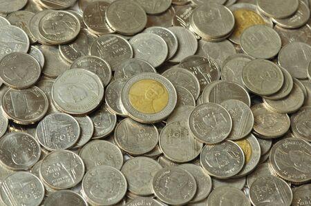 monedas antiguas: Moneda tailandesa Foto de archivo