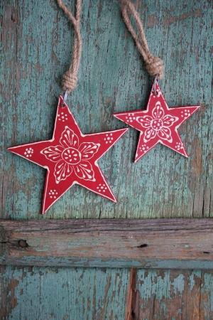Nostalgic stella di Natale rosso con fiore ornamento e sfondo d'epoca Archivio Fotografico - 23855653
