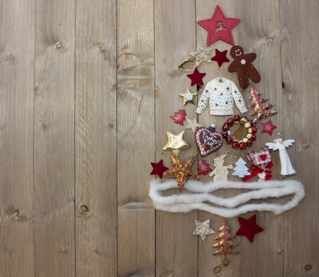 christmas elk: Christmas tree on wooden background