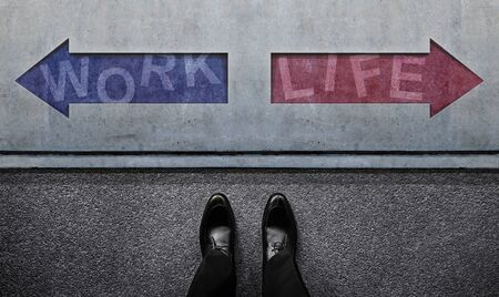 Work Life Balance Concept. an Undecided Businessman Standing in front of the Left and Right Arrow Direction. Top View Imagens - 150196455
