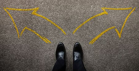 Decision in Life or Business Concept. Businessman Standing on the Left and Right Arrow Direction. Top View Imagens - 150259664