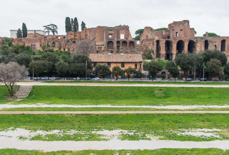Following the coronavirus outbreak, the Italian Government has decided for a massive curfew, leaving even the Old Town, usually crowded, completely deserted. Here in particular the Circus Maximus