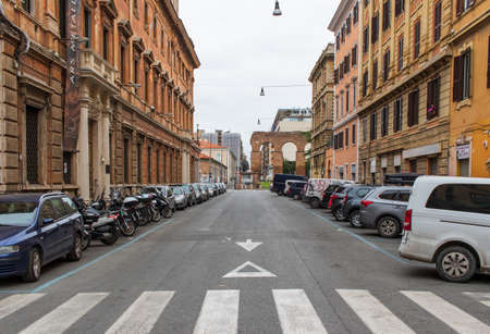 Following the coronavirus outbreak, the Italian Government has decided for a massive curfew, leaving even the Old Town totally deserted 版權商用圖片 - 144087759