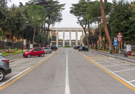 Rome, Italy - following the coronavirus outbreak, the Italian Government has decided for a massive curfew. Here in particular the empty Sapienza University 版權商用圖片 - 144087665