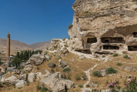 Hasankeyf, Turkey - a splendid ancient town located along the Tigris River, with its archeological sites at risk of being flooded with the completion of the Ilisu Dam Imagens