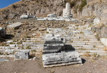 Pergamon, Turkey - one of the best preserved ancient Greek and Roman ruins, Pergamon presents an amazing display of temples, amphitheaters, columns and sanctuaries Imagens