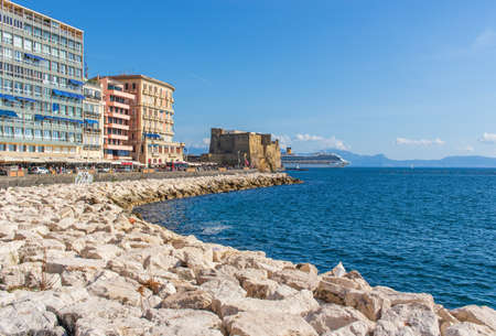Naples, Italy - built during the 15th century, and a main landmark in Naples, Castel dell'Ovo (Egg Castle) is a seaside castle located in the Gulf of Naples 新聞圖片