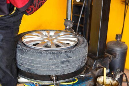 garage: Garage, car tires