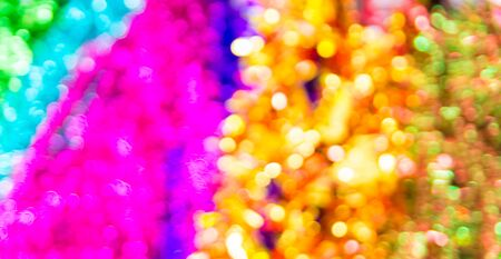 Abstract Blur Defocus Bokeh Background or Christmas Decoration Items, Christmas tree, Gift set, Red Hat and Reflection Paper, in Supermarket or Department Store or Shopping Mall on Weekend. 免版税图像