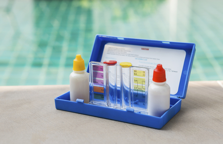 Water testing test kit for swimming pool Banco de Imagens
