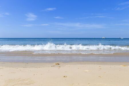 Seascape background, clear blue sky and blue sea, summer outdoor day light, holiday destination, relaxing time 版權商用圖片