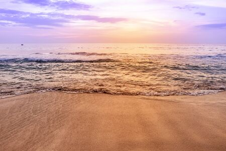 Sunset beach, sea scape, evening beach view, vintage warm light, Southern Thailand, holiday destination, relaxing time 版權商用圖片