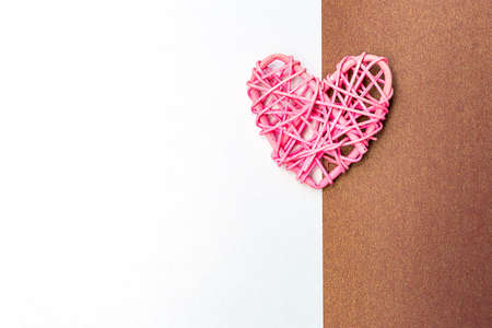 Pink heart on white and brown paper background, love and romance symbol, valentine card background Stok Fotoğraf - 155035878