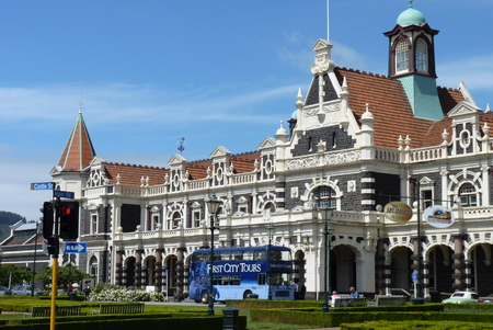 beautiful Dunedin Railway Station, New Zealand Imagens