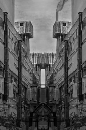 multiple exposure: Rovine Futuristico struttura astratta di esposizione multipla industriale. In bianco e nero.