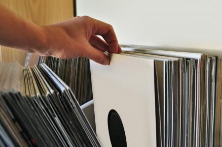 ビニール レコードのコレクションを参照します。バック グラウンド ミュージック。