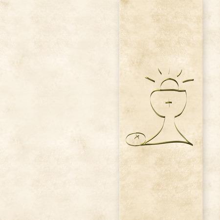 confirmacion: Primera tarjeta de la comuni�n, c�liz de oro y las orejas en el fondo de color crema con un espacio en blanco para la foto y el texto