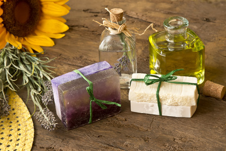 oiled: Soaps oiled olive and lavender flowers handmade with organic products