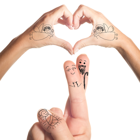 familia cristiana: Belén dibujo simple en los dedos y las manos aisladas sobre fondo blanco