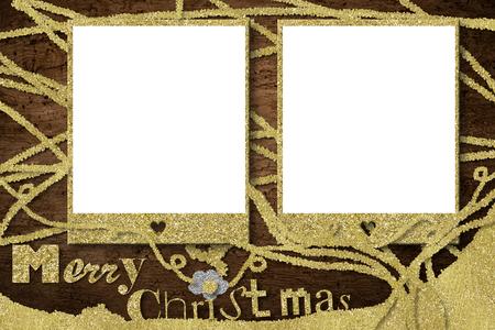 De kaarten van het de fotokader van Kerstmis, twee schitteren gouden lege fotokaders en Vrolijke Kerstmistekst op houten achtergrond. Stockfoto