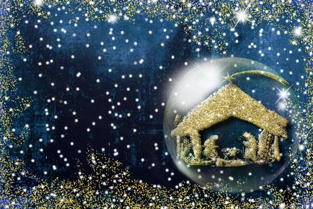 Cartolina d'auguri di Natale di scena di natività, disegno a mano libera astratto della scena di natività dentro un buble di Natale. Archivio Fotografico - 90596010