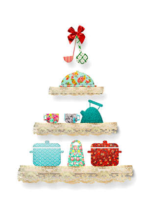 Christmas greeting card. Adorable christmas tree made with fabric cutouts and lace, pots, teapot, saucepan, isolated on white background. Christmas food concept at home. 免版税图像