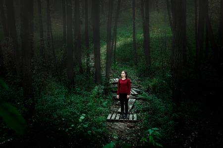 The girl in the woods. Zdjęcie Seryjne
