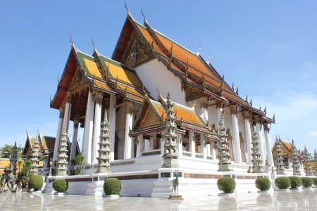 dazzlingly: wat Suthat   temple in Thailand