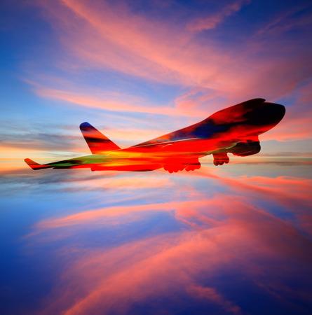 여객기 하늘에서 일몰 시간에 매우 아름 다운, 공기 전송, 여행 및 여행 산업 비즈니스에 대 한 사용