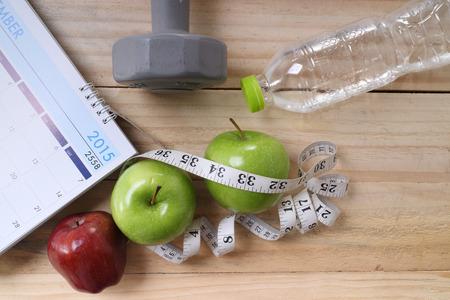 nutrici�n: deportes, fitness, la grabaci�n, el bloc de notas, el concepto de p�rdida de peso, la dieta, la nutrici�n Foto de archivo