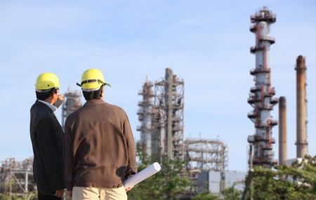 ingeniero: dos ingeniero en el sitio Foto de archivo