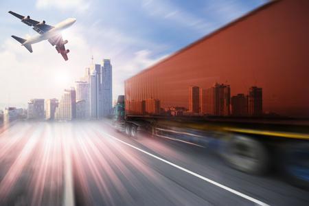 Container truck, vracht vrachtvliegtuig in het vervoer en de import-export commerciële logistiek, scheepvaart industrie Stockfoto - 46785877