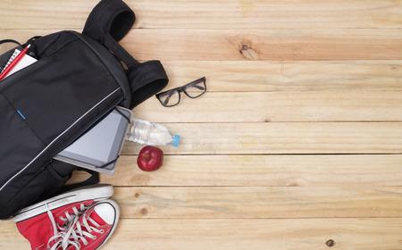 convivencia escolar: Escuela, bolsa, mochila.
