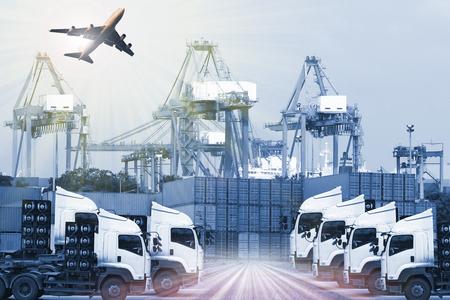 Industrieel Containervracht vrachtschip voor Logistiek Import Export concept Stockfoto - 62111284