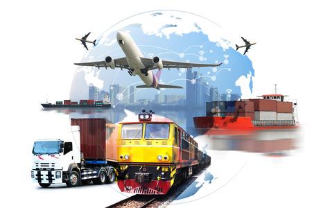 Wereldwijde activiteiten van Container Cargo goederentrein voor logistieke import export, bedrijfslogistiek concept, luchtvracht trucking, railtransport, maritiem transport, on-time levering Stockfoto