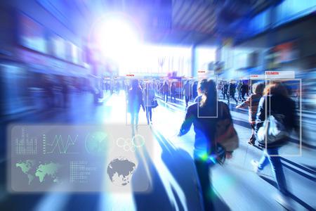 Tecnología de la máquina o robot Análisis de aprendizaje identificar la tecnología humana, análisis de software y reconocimiento de personas en la ciudad con efecto de luz de bengala, el concepto de inteligencia artificial. Foto de archivo - 86688727