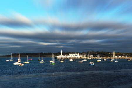 Cunningham Pier and Geelong waterfront on a warm summer's evening in Victoria, Australia Stockfoto