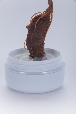extracted: Moisturizer extracted from tamarind