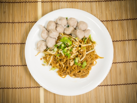 noodle and meatballs photo