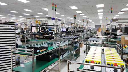 Electronic production line, Modern unit assembly plant,Small industrial production room with equipment for the production of spare parts, metal parts, petrochemical, chemical industrial plant Banque d'images