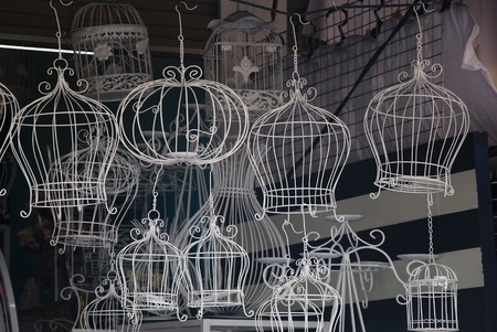 home accents: classic decorative bird cage