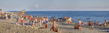 Mamaika, Sochi, Russia - July 22, 2018: Panoramic view of the beach. 新闻类图片