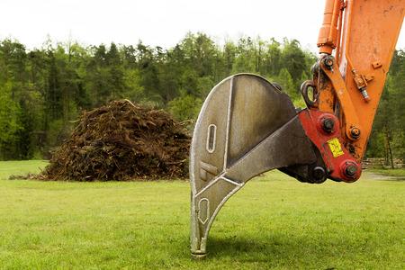 front loader: front loader - bucket