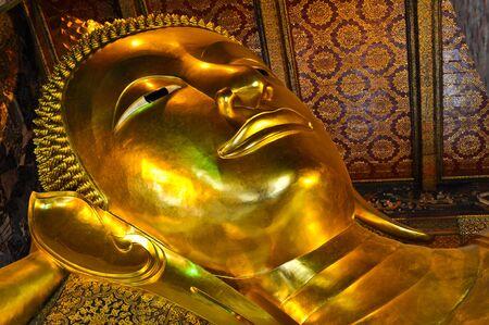 po: Wat Po reclining Buddha Stock Photo