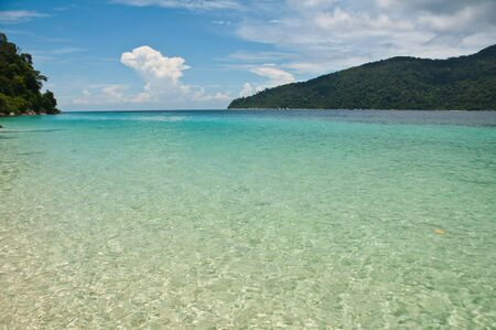 glistening: Glistening agua de mar a Rawi isla en Tailandia Foto de archivo