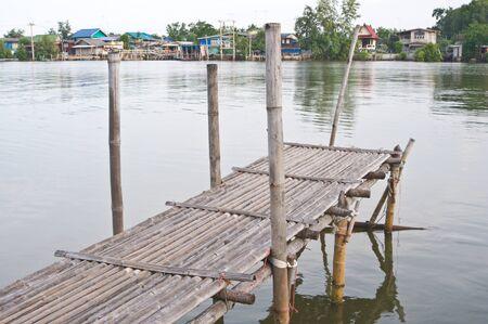 Wooden bridge to the river Stock Photo - 16193111