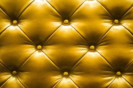 brown leather sofa: Vintage divano in pelle marrone
