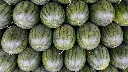 Overlapping of many watermelons
