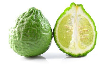 sanguijuela: sanguijuela frutas lim?n aislado en blanco